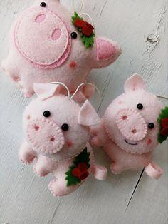 Felt Pig Christmas Decoration Christmas Felt Ornament Pig D Felt Christmas Decorations, Felt Christmas Ornaments, Handmade Ornaments, Christmas Crafts, Pig Decorations, Pig Crafts, Felt Crafts, Sewing Crafts, Felt Embroidery