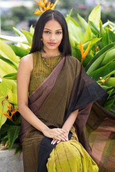 This a saree inpired by the angels in the deep dark forests.This cotton saree is soft and can easily drape. This saree has somber colors to give an eccentr Simple Sarees, Trendy Sarees, Cotton Saree Designs, Saree Blouse Designs, Designer Sarees Collection, Saree Collection, Ethnic Sarees, Indian Sarees, Ethnic Fashion