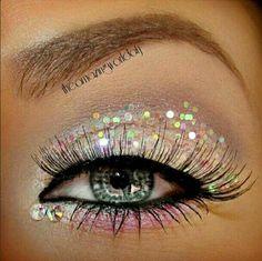 Pure glitter eye - hot!