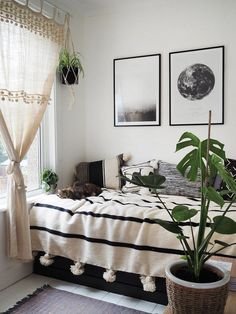 Small bedroom makeover 2019 boho monochrome style bedroom The post Small bedroom makeover 2019 appeared first on Curtains Diy. Room Makeover, Interior, Small Room Design, Bedroom Interior, Home Decor, Room Inspiration, Apartment Decor, Small Bedroom Makeover, Monochrome Bedroom