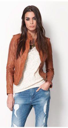 Bershka: Blusão Bershka PELE costuras  Caramelo, Marrom e Preto.  89,99 EUR