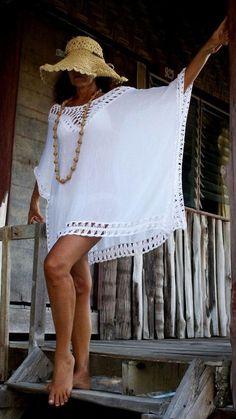 Total White handgefertigte Minikleid Ibiza-Stil häkeln Strand vertuschen Poncho CoverUp Sea Cotton kleines Einhorn Quasten White Boho Hippie Festival of BeHappieWo . Ibiza Stil, Crochet Baby Bibs, Crochet Poncho, Cotton Crochet, Poncho Outfit, Crochet Summer Dresses, Crochet Cover Up, Hippie Festival, Ibiza Fashion