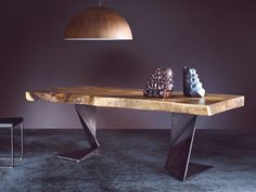 Design dining table for a modern interior - Home decoration ideas Modern Dining Room Tables, Dinning Table, Slab Table, Wood Table, Solid Wood Furniture, Furniture Design, Modern Interior, Interior Design, Design Art