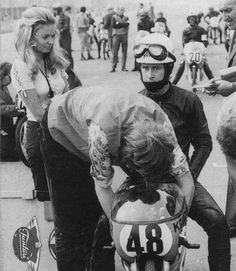 The Great Jarno Saarinen participated in the last 2 GP 1971 with a Kreidler 50 to help Jan de Vries and Van Veen to the title against Angel Nieto and Derbi. Monza was 6th and in the Jarama.