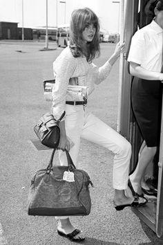 白パンツ × ジーン・シュリンプトン