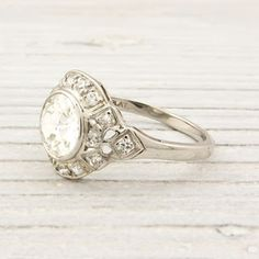 Vintage ring. Omg it's beautiful