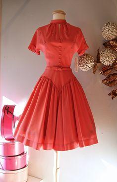 1950s Dress // Vintage 50s Coral Cotton Party Dress with Keyhole Cutout