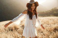 Model wears American Eagle Cold Shoulder Shift Dress