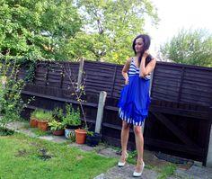 Blue and white dress. #modaonthego