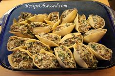 Cheese, Mushroom and Spinach Stuffed Pasta Shells #Recipe | Recipe Obsessed