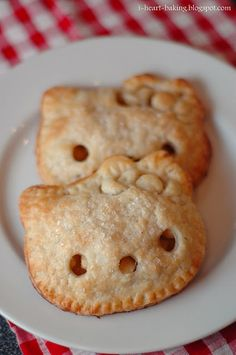 These Hello Kitty mini apple pies are adorable. So cute for a Hello Kitty birthday party!