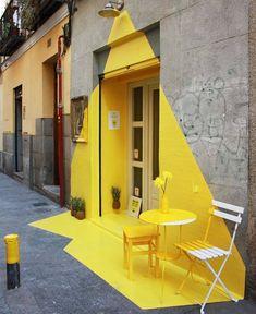 Vegan Restaurant in Madrid Features an Exciting Ephemeral Installation - Wandgestaltung ideen Interior Paint Colors, Decor Interior Design, Interior Decorating, Interior Painting, Room Interior, Decorating Ideas, Architecture Design, Amazing Architecture, Madrid