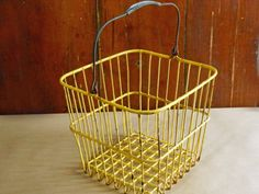 Vintage Square Yellow Wire Egg Basket by buckeyesandbluegrass