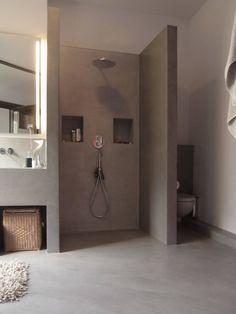 Warum eine Dusche cooler ist als eine Badewanne Why a shower cooler is as a bath Bathroom Renos, Grey Bathrooms, Bathroom Layout, Beautiful Bathrooms, Bathroom Interior, Family Bathroom, Small Bathroom, Master Bathroom, Master Baths