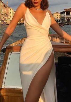 fashion dresses Available Sizes :S;L Waist(cm) Hip(cm) Length(cm) Type :Loose Material :Dacron Color :White Decoration :Draped, Tie Back Pattern :Plain Collar :Collarless Length Style :Floor Length Sleeve Length :Sleeveless Pretty Prom Dresses, Ball Dresses, Elegant Dresses, Beautiful Dresses, Evening Dresses, Dresses Dresses, Cheap Dresses, Black Prom Dresses, Elegant Outfit