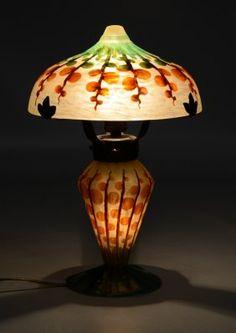Le Verre Francais Monnaie du Pape Cameo Glass Lamp : Lot 318