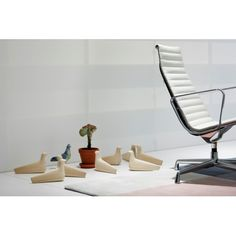 L'Oiseau - Vitra - Ronan and Erwan Bouroullec - Gifts - Furniture by Designcollectors Ronan & Erwan Bouroullec, Big Stock, Tubular Steel, Steel Furniture, Floor Chair, Stuff To Buy, Gifts, Home Decor, Accessories