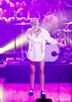 "Miley Cyrus performing ""Wrecking Ball"" http://www.latenightwithjimmyfallon.com/blogs/2013/10/miley-cyrus-performs-wrecking-ball/ #mileycyrus"