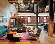 Vintage Industrial Style Ideas for a living room | Home and Decoration  Home Interiors | Decor Ideas | Vintage Style  #homeandecoration #vintageindustrialstyle #livingroom  See more: www.homeandecoration.com