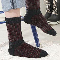 OHJE: Hiillos-sukat Knitting Socks, Knit Socks, Knitting Patterns, Knitting Ideas, Leg Warmers, Mittens, Knit Crochet, Slippers, Boots