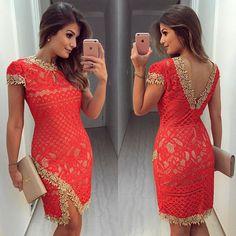 Vestido de renda com detalhe dourado by @lilybelleoficial ❤️