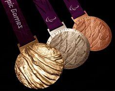 Medallas de los Juegos Olímpicos Londres 2012 diseñadas por David Watkins