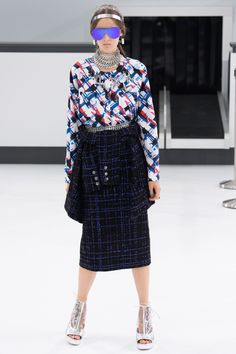 "Chanel Spring 2016 Modest doesn't mean frumpy. Avoid the Top 10 Fashion & Style Mistakes (free eBook): http://eepurl.com/4jcGX Do your clothing choices, manners, and poise portray the image you want to send? ""Dress how you wish to be dealt with!"" (E. Jean) http://www.colleenhammond.com/"
