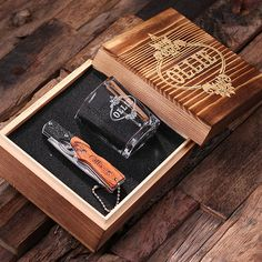 Your groomsmen deserve a pocket knife that they can be proud to wield and that you can afford, comes with shot glass and wood box. This nifty