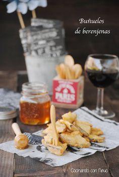Buñuelos de berenjena con miel