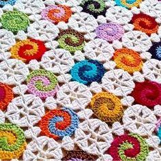 #crochet #crocheting #crochetaddict #babyblanket I love this whimsical design!