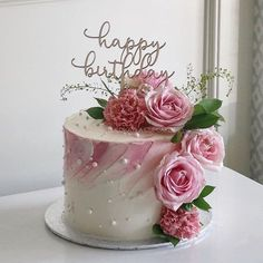 Flower Cake Mom Cake Flower Cake 80 Birthday Cake throughout Incredible Birthday Cake With Flowers - Party Supplies Ideas Birthday Cake With Flowers, 60th Birthday Cakes, Beautiful Birthday Cakes, Beautiful Cakes, Happy Birthday Cakes For Women, Happy Birthdays, Cake Flowers, Flower Cakes, 60th Birthday Ideas For Women