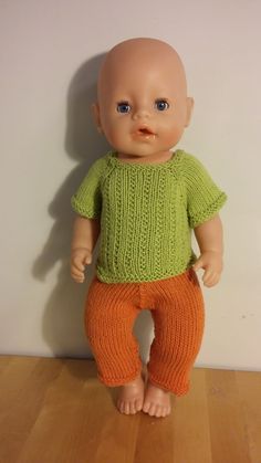BabyBorn measurements Height: 43 cm Chest: 28 cm Thigh: 17 cm Calf: 13 cm Arm: 11 cm Head: 33 cm The yarn I have used. Baby Born Clothes, Boy Doll Clothes, Knitting Dolls Clothes, Crochet Doll Clothes, Doll Clothes Patterns, Clothing Patterns, Baby Booties Knitting Pattern, Knitted Doll Patterns, Knitted Dolls