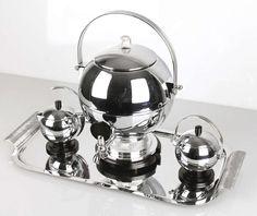 Art Deco Manning Bowman Harmony Coffee Service, Urn Shape, Saarinen Style | 1stdibs.com