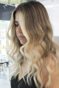 Here are 60 blonde ombre hair styles for a fun new look! If you want to change your look without sacrificing style, ombre hair is a great choice! Light Blonde Balayage, Blonde Ombre, Blonde Highlights, Blonde Hair, Ash Ombre, Ombre Hair Color, Hair Color Balayage, Hair Colour, Ombré Hair