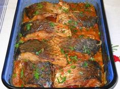 Plachie de crap – o rețetă ce merită încercată Hungarian Recipes, Turkish Recipes, How To Cook Fish, Romanian Food, Yummy Food, Tasty, Cooking Recipes, Healthy Recipes, Fish And Seafood
