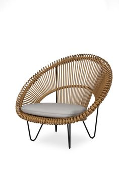 CRUZ COCOON natural armchair in natural rattan and powder black steel frame, design and edition Vincent Sheppard. COLONEL shop, decoration and contemporary furniture in Paris. Natural Furniture, Cool Furniture, Furniture Design, Rattan Lounger, Woven Chair, Furniture Collection, Contemporary Furniture, Chair Design, Home Furnishings