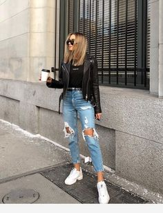 Charming and super summer outfits ideas for spring summer fashion trendy outfits 2019 Style Outfits, Mode Outfits, Cute Casual Outfits, Jean Outfits, Comfortable Outfits, Casual Jeans, Dress Casual, Denim Jeans, Outfit Styles