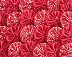 Items similar to Polka Red Fabric Yo Yo Quilt Applique Suffolk Puff Scrapbook Handmade Trim Embellishment on Etsy Fabric Rosette, Red Fabric, Fabric Flowers, Bed Cover Design, Yo Yo Quilt, Calico Fabric, Fabric Hearts, Fabric Tags, Flower Making