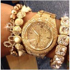 Naʈasɧa Sєℓcis Pєʈєrsєn ❤ liked on Polyvore featuring jewelry, bracelets, accessories, gold jewellery, yellow gold jewelry, gold jewelry and pin jewelry