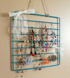 .DIY: oven rack to jewelry organizer by ilene