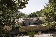Ventana en Blanco. Casa sostenible en Extremadura