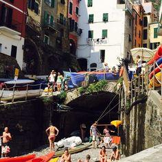 #Riomaggiore stupendo #Borgo delle #Cinqueterre. Dista da #DeivaMarina 30 minuti in treno. Disponiamo qui di un appartamentino vacanze ad affitto settimanale con vista stupenda. All' occorrenza...