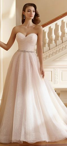 Modest Tulle Sweetheart Neckline A-line Wedding Dresses With Beadings