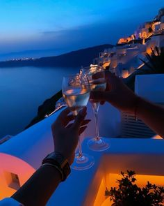 Date night in Santorini 🥂 By Beautiful Places To Travel, Romantic Places, Wonderful Places, Luxe Life, Travel Aesthetic, Travel Goals, Dream Vacations, Travel Destinations, Places To Go