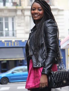 Fashion-week de Paris : Les meilleurs looks de blogueuses présentes au brunch STYLIGHT  Chanel bag, Zara leather Jacket, Isabel Marant skirt, Les Flèches de Phébus boots