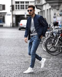 You are looking for outfit inspiration? Then take a look at us! Either you are looking for casual, business, urban, classy looks, we got you covered! Mens Fashion Casual Shoes, Mens Fashion Blog, Best Mens Fashion, Mens Fashion Suits, Men's Fashion, Fashion Advice, Street Fashion, Fashion Photo, Mode Outfits