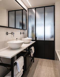 Stalen ramen en deuren Dewitte Brugge Office Interior Design, Office Interiors, Room Interior, French Windows, One Bed, Bathroom Design Luxury, Pocket Doors, Steel Frame, Glass Door