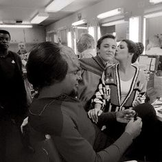 Great shot of @Marina_Sirtis @wilw and @akaWorf Looks like an early season on Star Trek TNG. Lucky Wil! pic.twitter.com/6y0SQd66Ww