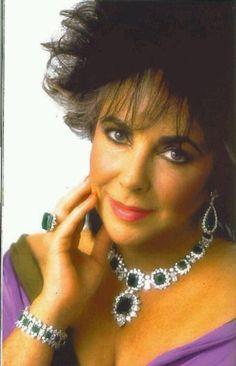 Liz amante de las joyas.
