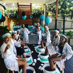 Bella's Pamper Party Spa Sleepover Party, Kinder Spa Party, Kids Pamper Party, Spa Day Party, Girl Spa Party, Sleepover Birthday Parties, Girl Sleepover, Birthday Party For Teens, Paris Birthday
